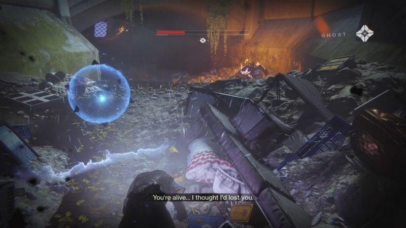 Imagen en Destiny 2 de un Guardian con su Ghost, ayudandolo