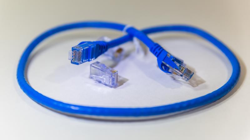 Usar cable de red ethernet es el mejor remedio en contra de cualquier vulnerabilidad en WPA2 y redes Wi-Fi